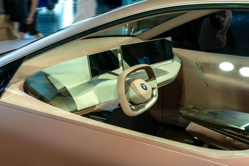Das BMW iNext Cockpit
