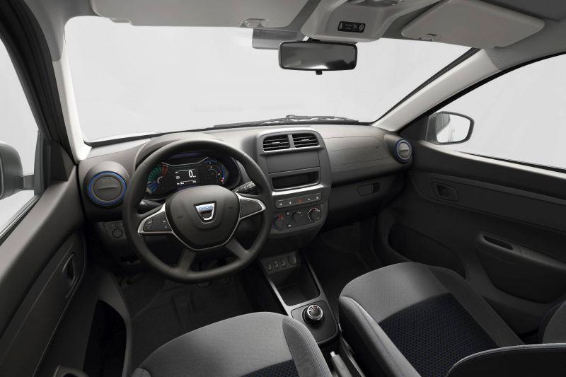 Der Innenraum des E-Autos von Dacia