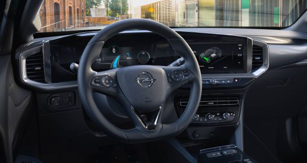 Das Cockpit des Opel Mokka-e