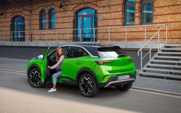 Das Heck des neuen Opel Mokka-e