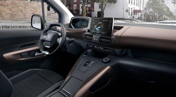 Das Cockpit des Elektroautos e-Rifter von Peugot